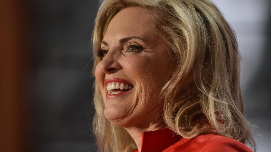 """Ann Romney promete seguir """"peleando"""" aunque la esclerosis """"gobierna"""" su vida"""