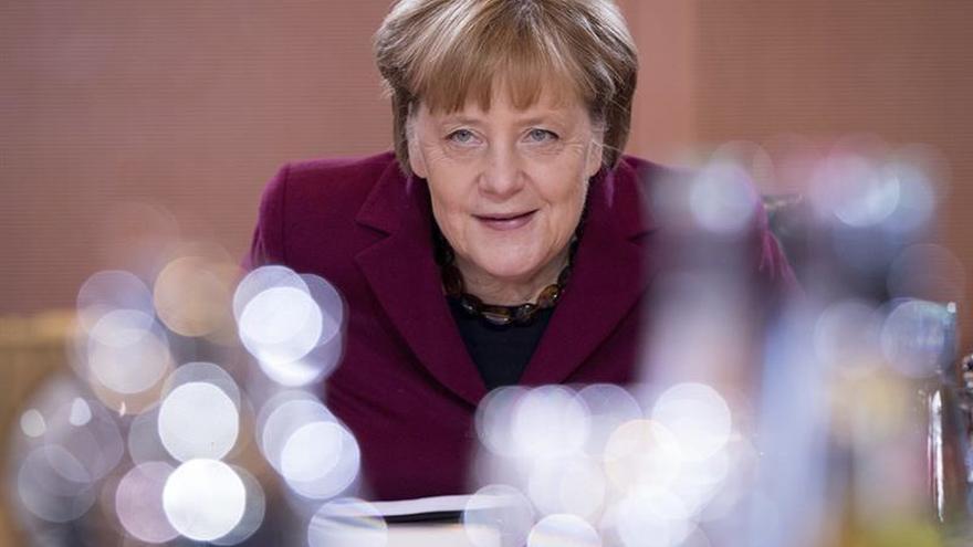 Merkel ratifica apoyo al problemático acuerdo de refugiados con Turquía