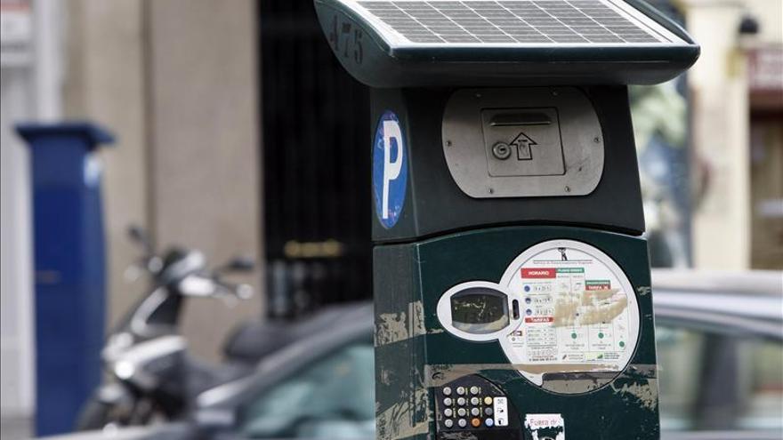 Seis meses de prisión y multa por falsificar una tarjeta de estacionamiento