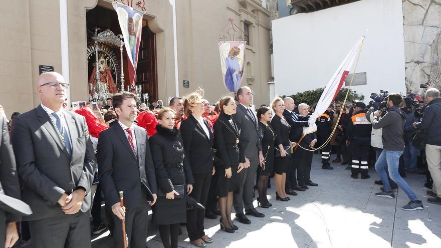 Carlos Alonso (segundo por la izquierda), en la última festividad de la virgen de Candelaria, el 2 de febrero