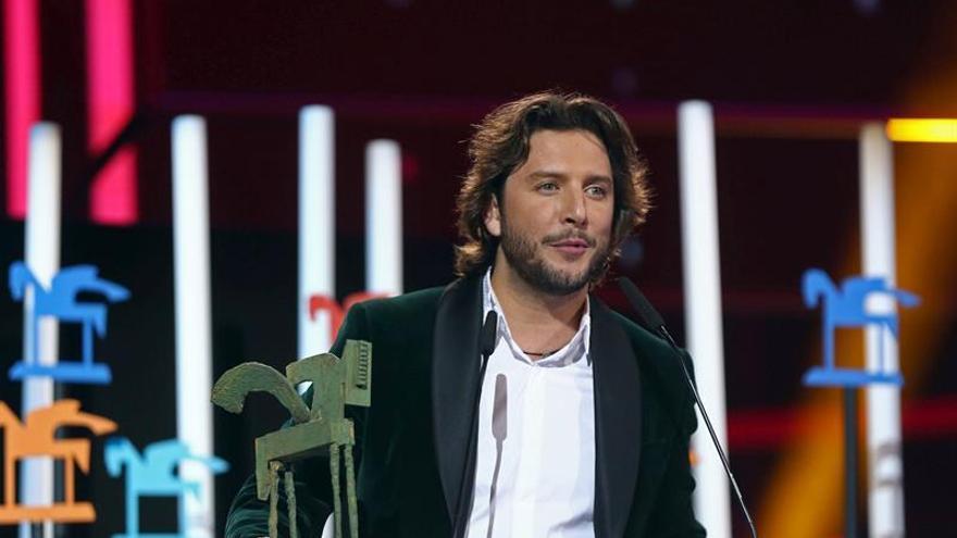 Manuel Carrasco comunica con una canción que espera su primer hijo