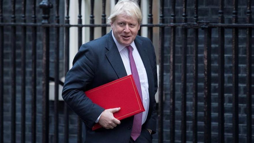 """Londres condena el ataque """"cobarde"""" contra el embajador ruso en Turquía"""