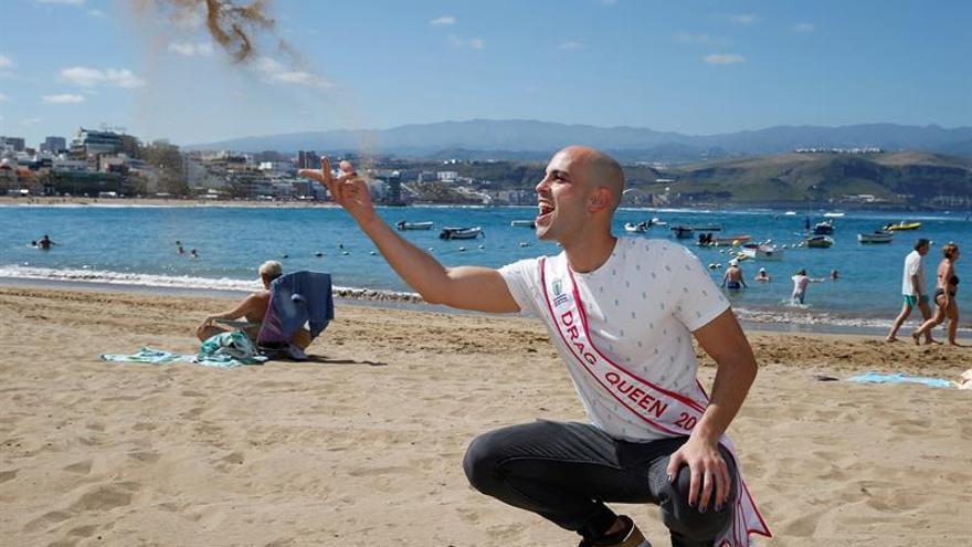 Pedro Bethencourt Guerra 'Drag Chuchi', el nuevo Drag Queen del carnaval de Las Palmas de Gran Canaria.EFE/Elvira Urquijo A.