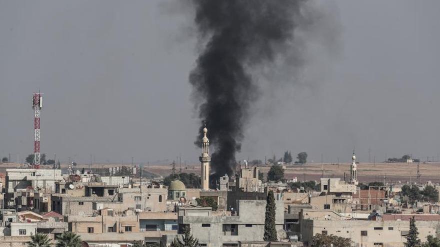 Miles de desplazados en Siria mientras los kurdos intentan repeler la ofensiva turca