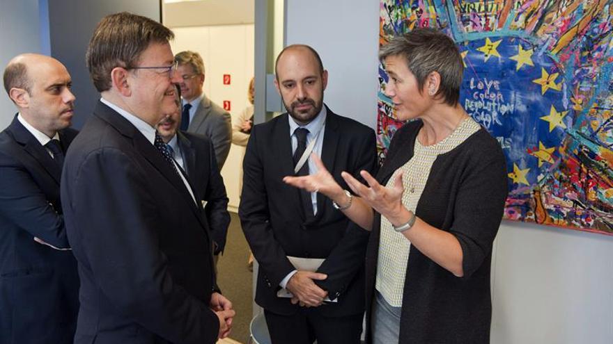 El president Puig dialoga con la Comisaria Europea de Competencia, Margrethe Vestager