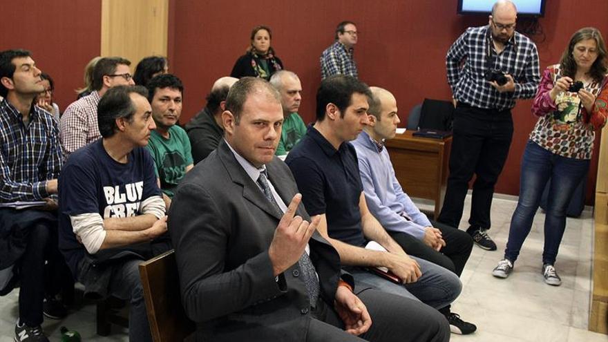 El fiscal rebaja a 4 años la pena para los presuntos integrantes de Anonymous