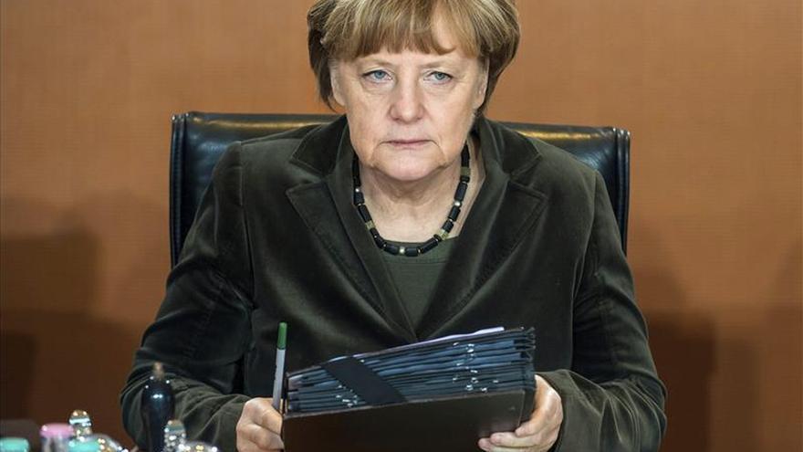 Merkel reconoce que no está garantizado el éxito de su plan para Ucrania