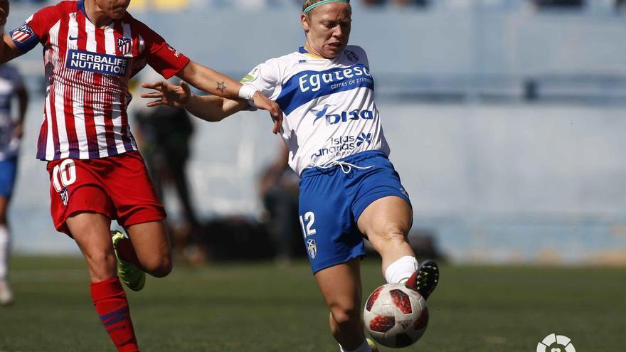 La jugadora del UDG Tenerife Egatesa, Joyce Borini, en un partido