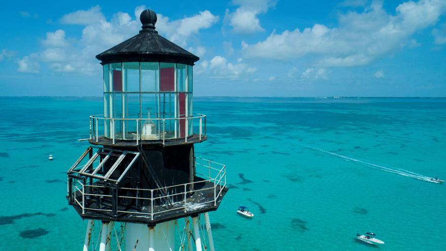 Salvan histórico faro de los Cayos de Florida de 150 años