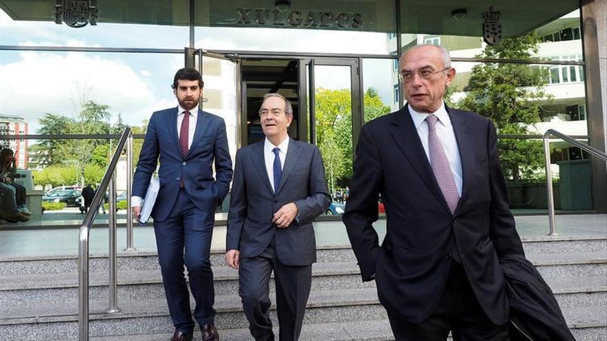 Raúl López niega regalos de lujo a Besteiro, que no declaró