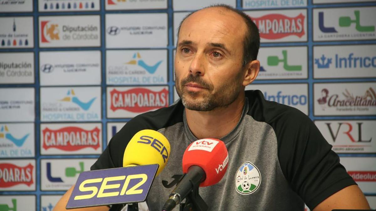 Dimas Carrasco en rueda de prensa.