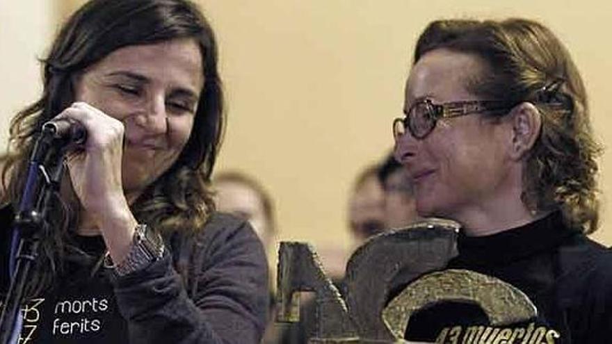 Beatriz Garrote, presidente de la Asociación de Víctimas del Metro, y su hermana Rosa.
