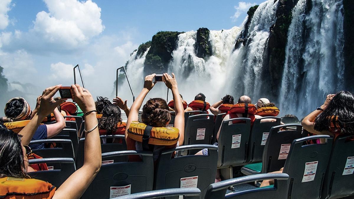 Se pierden 226 empleos formales por día en la industria turística, según la CAT.