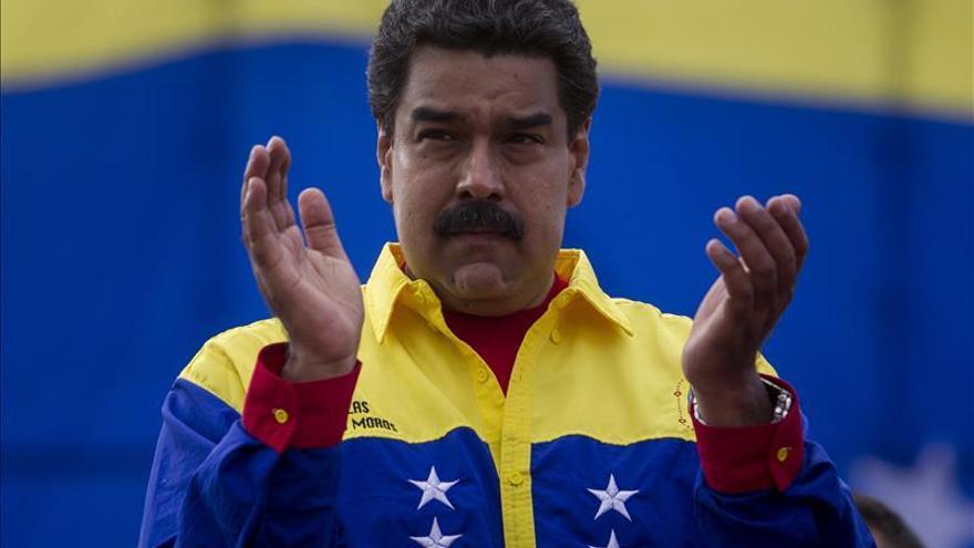 """Maduro dice que si la bancada opositora quiere revocarlo, irá al """"combate"""""""