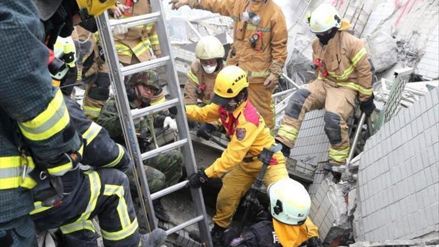 Suben a 89 los muertos en terremoto de Taiwán y bajan a 35 los desaparecidos