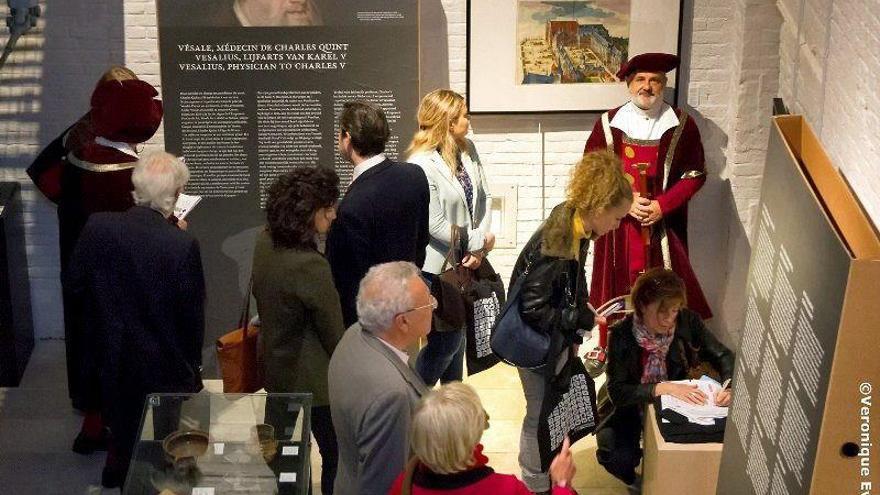 Bruselas rinde homenaje a Vesalio, el médico que curó a Carlos V y su familia