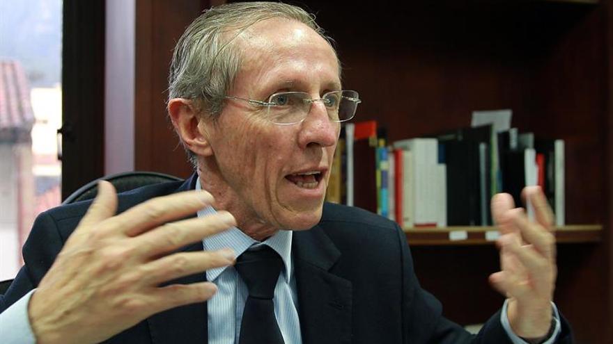 """Senador colombiano agradece en Chile el apoyo """"generoso"""" al proceso de paz"""