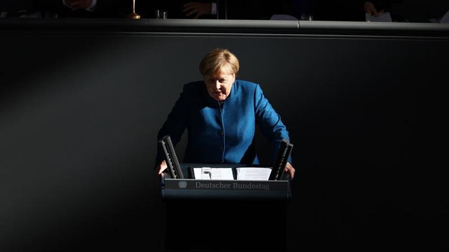 """Merkel pide a socios de la UE """"presupuestos estables"""" y """"fianzas saneadas"""""""