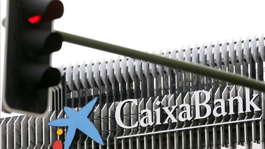 Sucursal de Caixabank. (EFE)