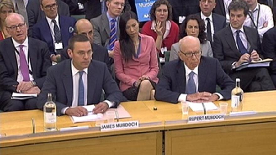 Rupert Murdoch Y Su Hijo James En El Juicio Por Las Escuchas