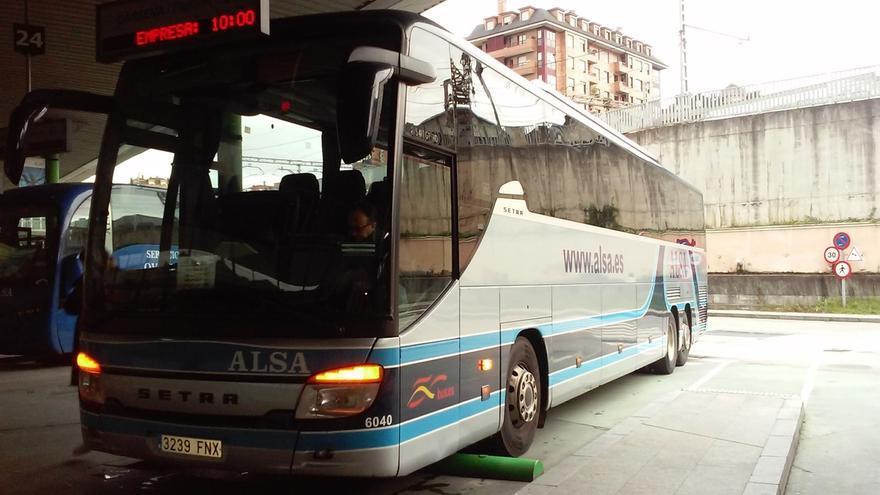"""El Gobierno cántabro """"no consentirá"""" que se pierdan las líneas de autobús de Alsa y buscará """"alternativas"""""""