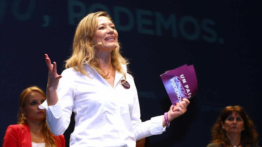 Victoria Rosell acusa a Sáenz de Santamaría de culpabilizar a las mujeres de su maltrato