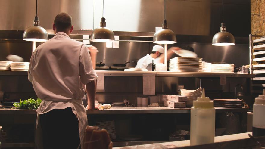 Las cocinas ya no deberán estar totalmente aisladas en los establecimientos de comida preparada de Aragón