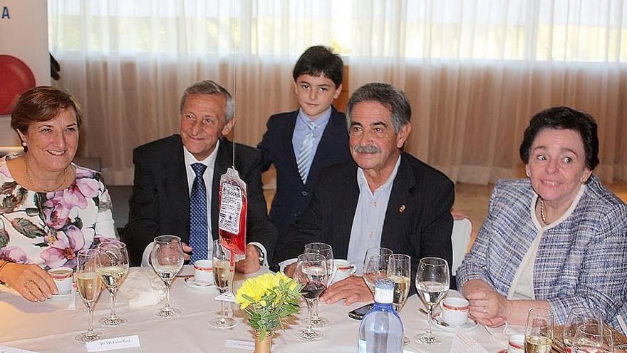 """Revilla agradece a Gandarillas su """"excepcional"""" de 45 años de promoción de la donación de sangre"""