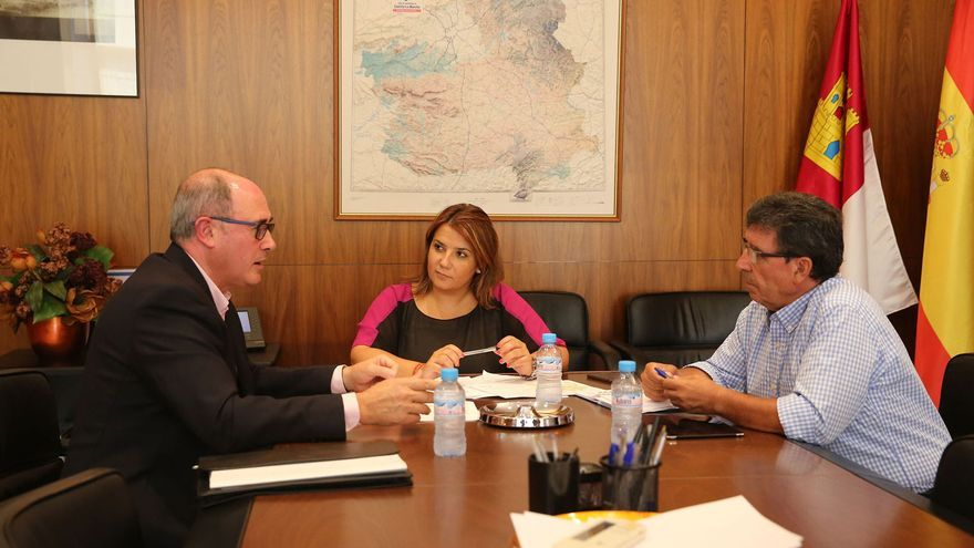 Reunión de Fomento con la Junta Central de Regantes de La Mancha Oriental
