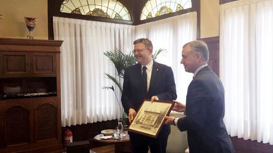 Ximo Puig se reúne con el lehendakari Íñigo Urkullu en Ajuria Enea, sede del Gobierno Vasco
