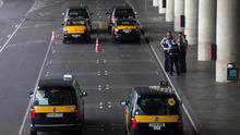 Reunión de urgencia de la Generalitat con los taxistas de Barcelona para evitar una huelga durante el Mobile