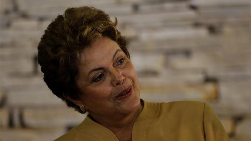 Rousseff pide austeridad a sus ministros para equilibrar las cuentas públicas