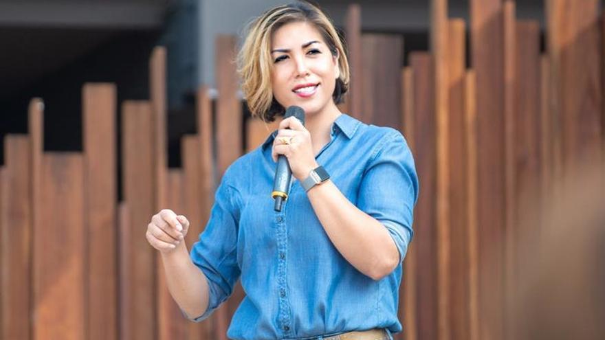 """Una candidata indígena de EE.UU. dice que """"no hay raza o género en el liderazgo"""""""