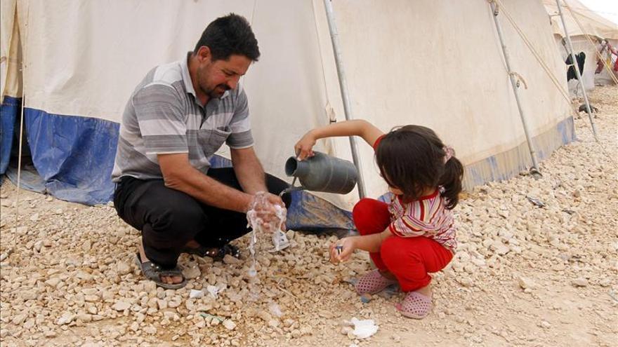 El número de refugiados sirios en países vecinos supera los 1,6 millones