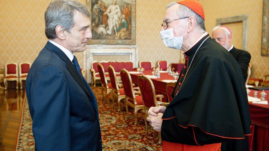 """Sassoli defiende ante el papa el """"deber"""" de Europa de salvar inmigrantes"""