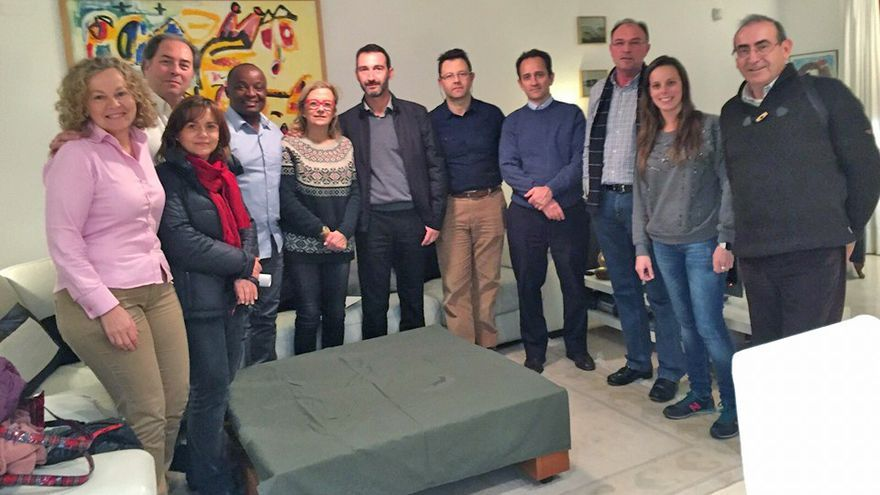 El equipo de la ONG valenciana 'Surg for All' junto al doctor Gilbert Kitio