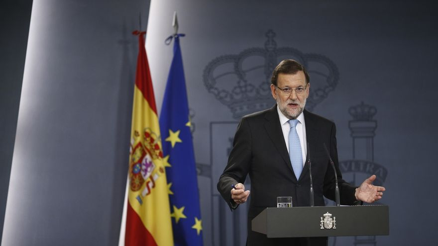 Rajoy llama también a Rivera, Iglesias y Urkullu y apela a la unidad de los demócratas