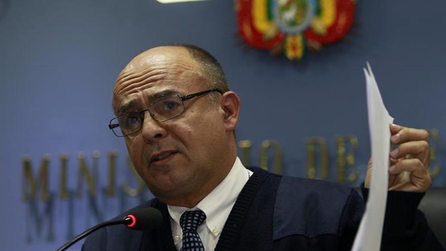 El ministro boliviano de Defensa dice que hay más corruptos en política que en las FF.AA.