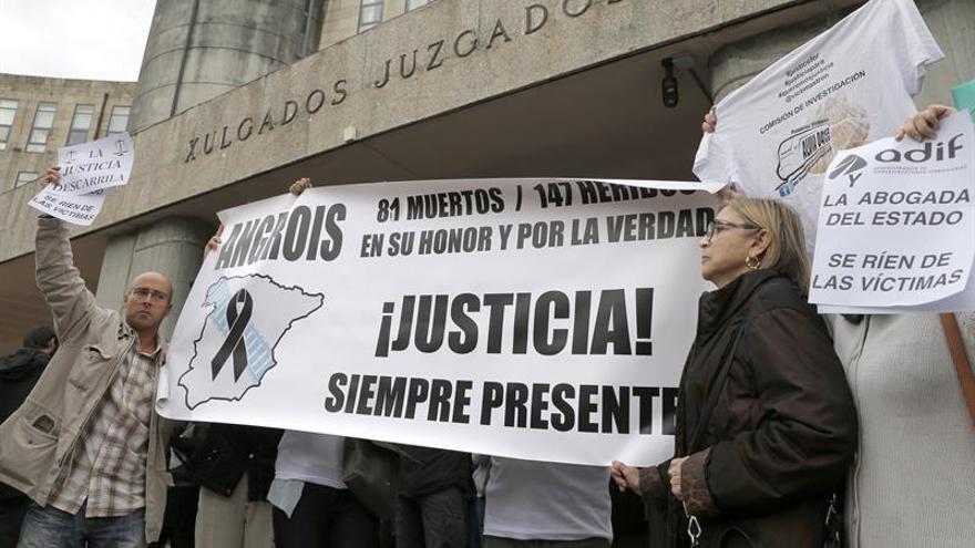 Las víctimas del Alvia vuelven a reclamar comisión técnica y parlamentaria