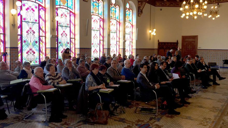 Un momento de la asamblea general de la Confederación Estatal de Asociaciones de Vecinos celebrada en Valencia