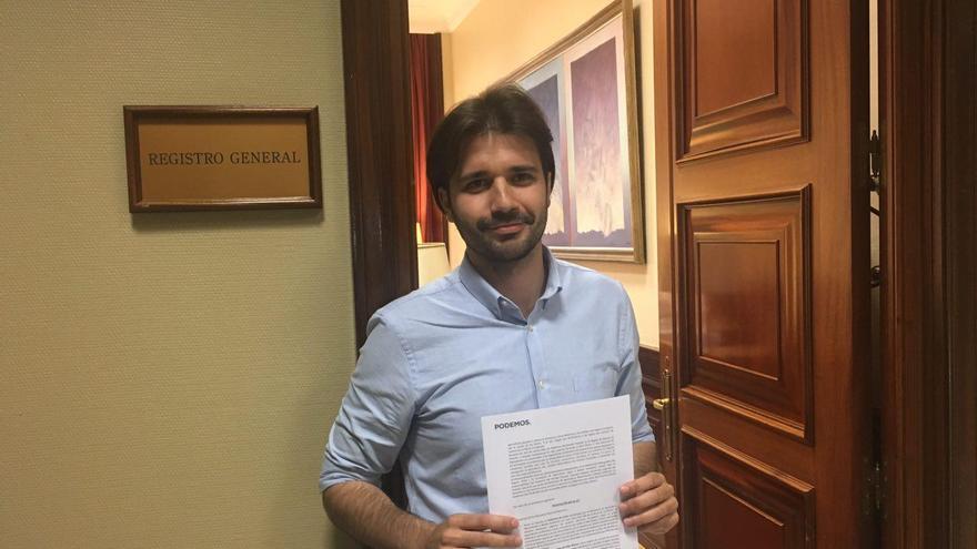 Javier Sánchez Serna, con su primera propuesta de ley en el Congreso de los Diputados