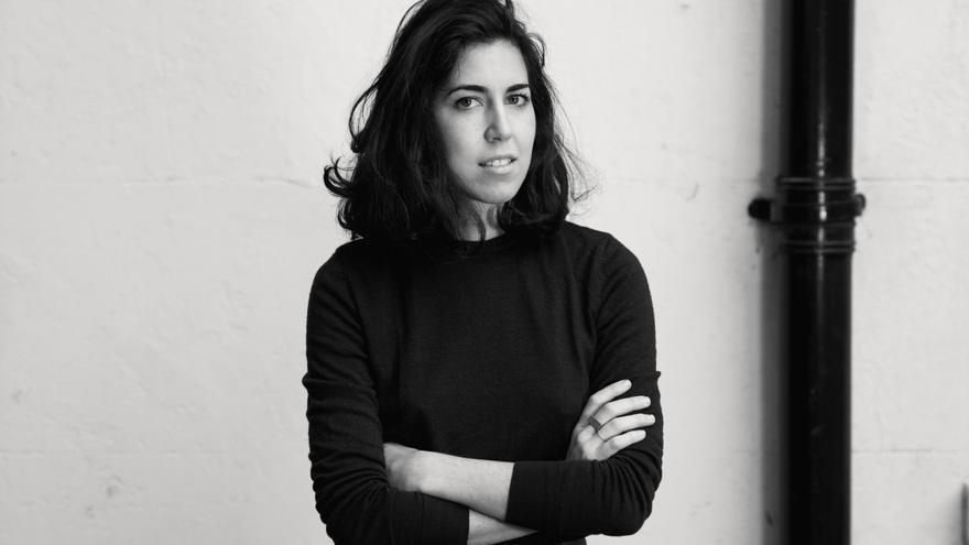 Carlota Barrera, la voz femenina, serena y reflexiva de la moda masculina