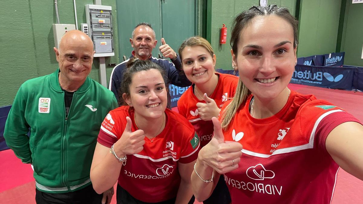 Integrantes del Vidrioservice celebran sus tres puntos
