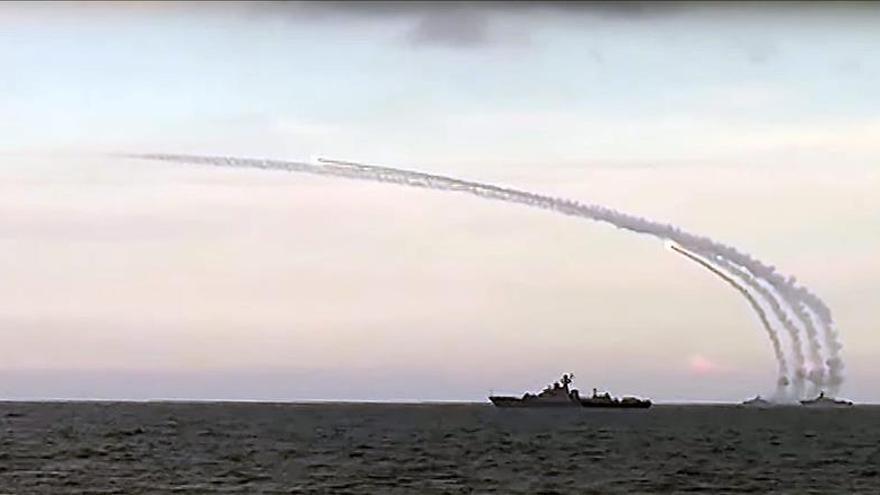 Aviones rusos lanzan casi medio millar de ataques contra terroristas en Siria