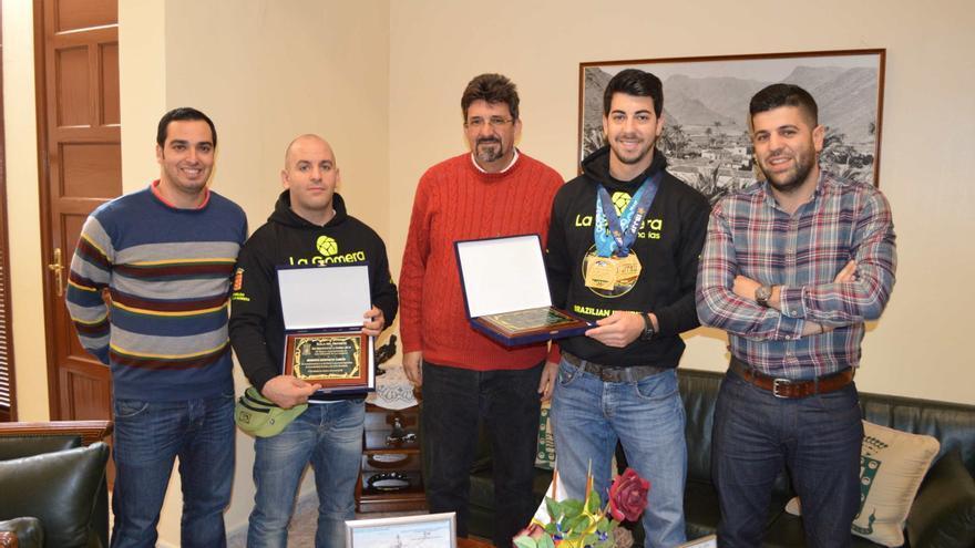 El alcalde recibió a los campeones de Jiu Jitsu