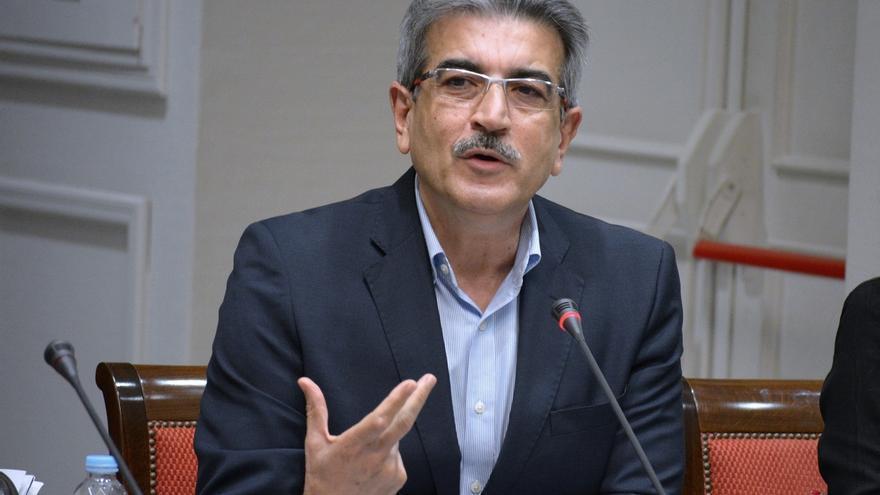"""Rodríguez (NC) reclama a Clavijo que """"dé la cara"""" ante el Parlamento canario tras la petición de un pleno extraordinario"""