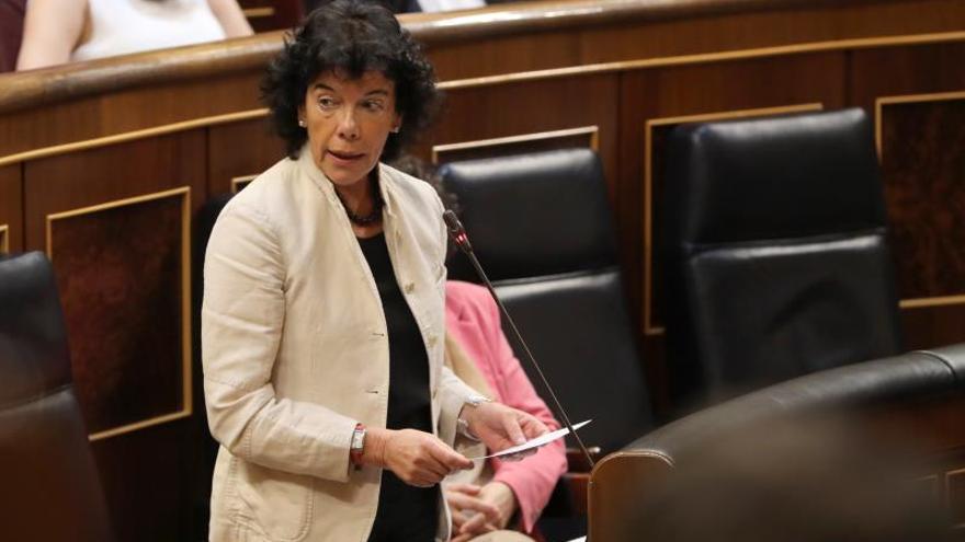 """Celaá dice que se revertirán los recortes educativos en """"el menor tiempo posible"""""""