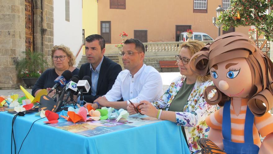 Momento de la presentación, este martes, con la presencia del alcalde Manuel Domínguez