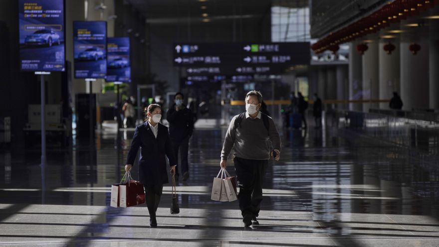 China implementa un pasaporte sanitario digital para los viajes internacionales