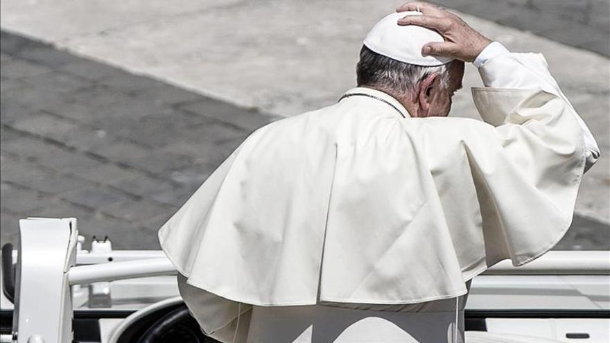 El papa pide a los obispos que repudien la corrupción